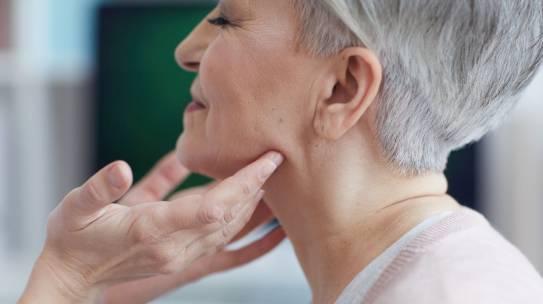 Tiroiditis : Inflamacion de la Glandula Tiroides
