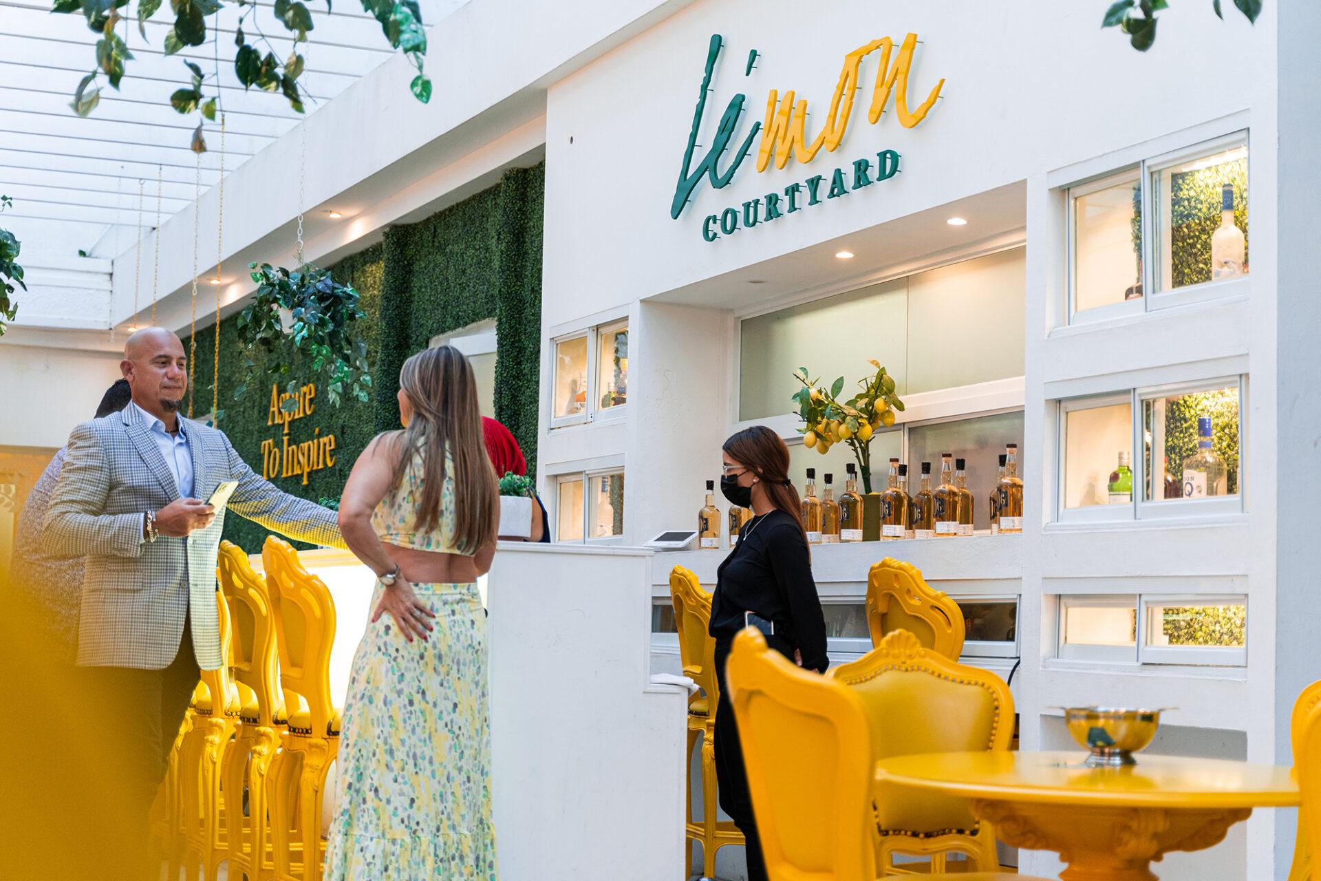 Nueva oferta de tapas y coctelería al aire libre en Ponce