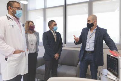 Centro-Medico-Episcopal-San-Lucas-recibe-equipo-para-cuidado-critico-de-pacientes-B.jpg