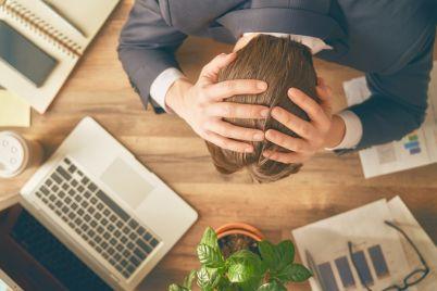 businessman-in-panic-PA9J29Y-1080px.jpg