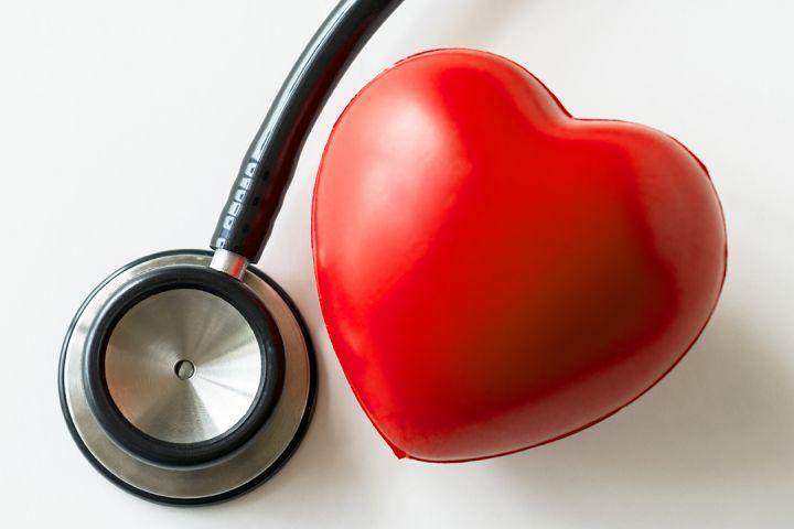 closeup-of-heart-and-a-stethoscope-cardiovascular-PDK8U3T-1080.jpg