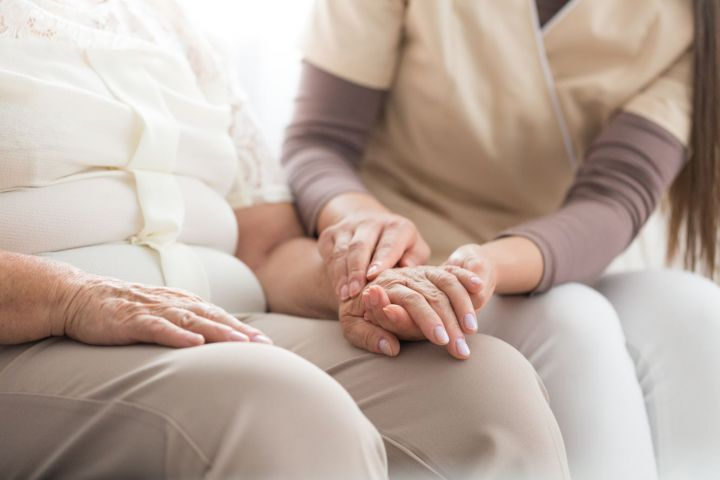 elderly-person-with-parkinson-PFJXXLA-small.jpg